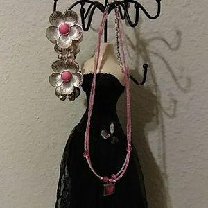Set floral stretch bracelet and matching necklace